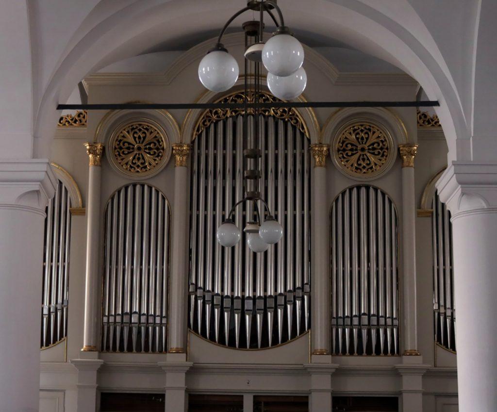 Kistemplomi orgona